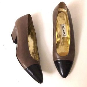 Escada women's shoes EUC size 6.5 black point toe